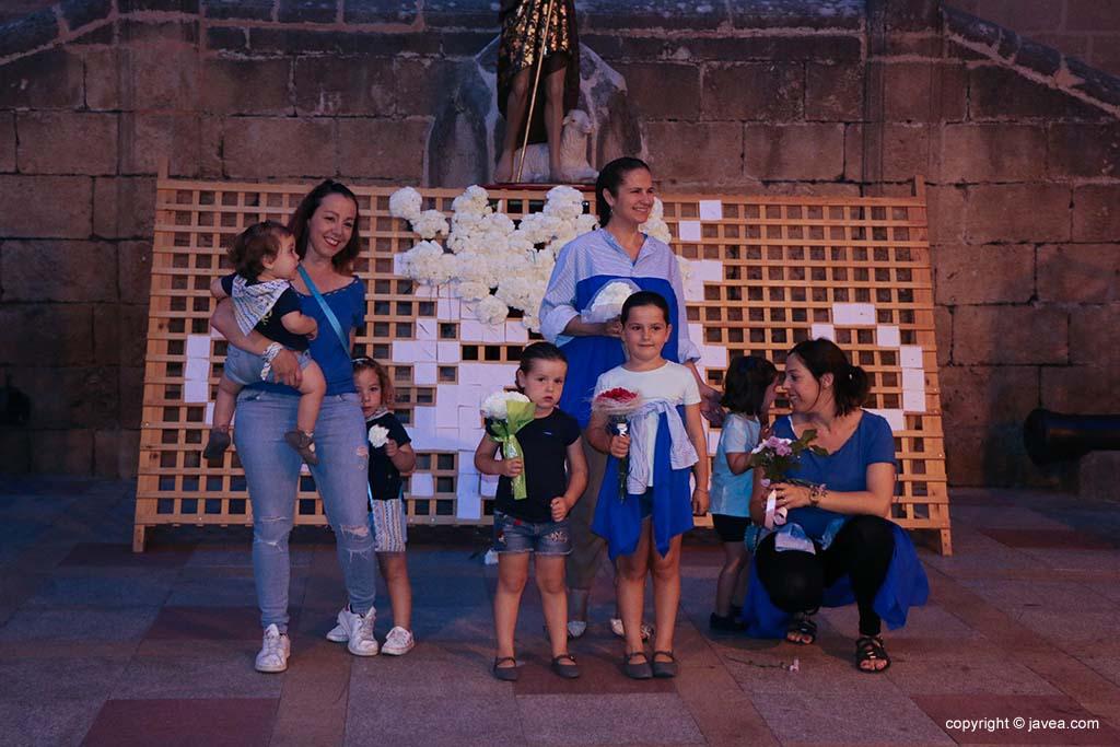 Ofrena de flors a Sant Joan-Fogueres 2019 (138)