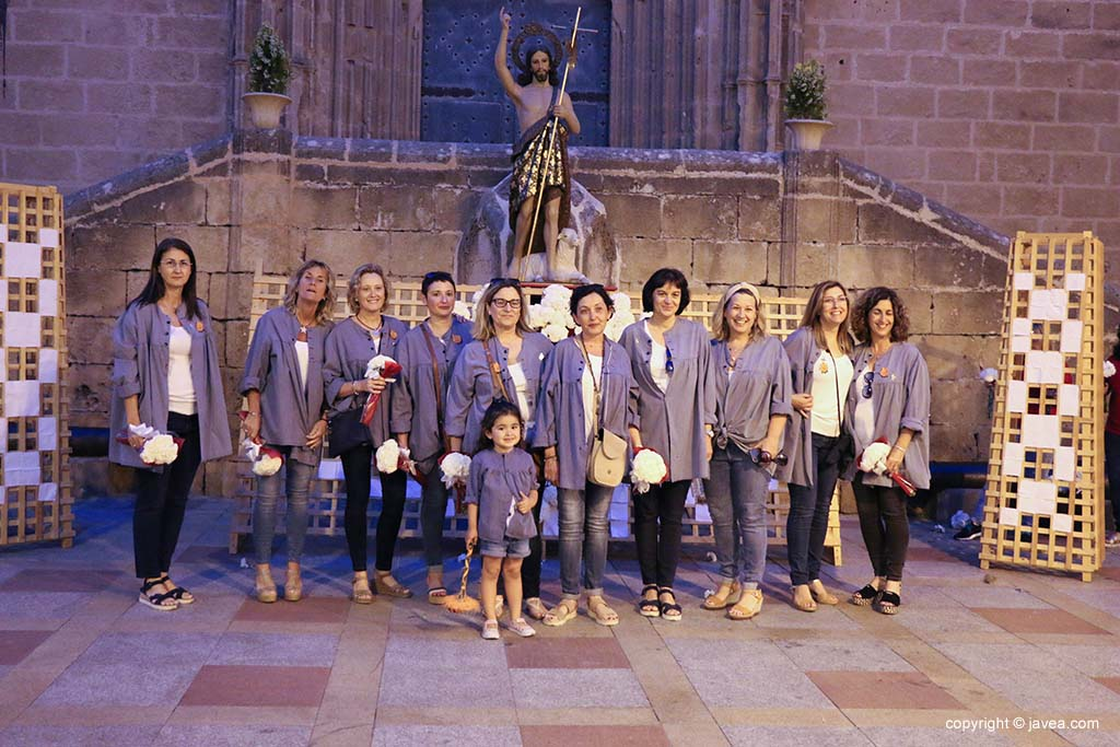 Ofrena de flors a Sant Joan-Fogueres 2019 (149)