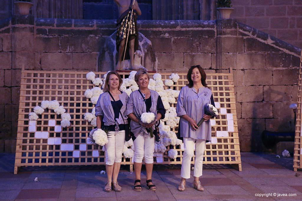 Ofrena de flors a Sant Joan-Fogueres 2019 (151)