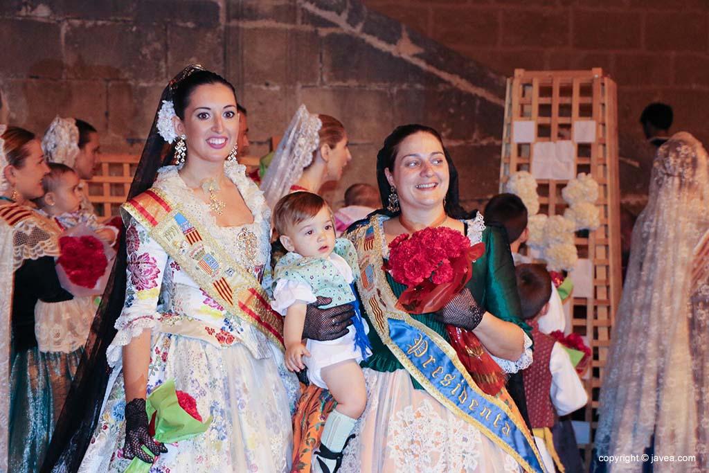 Ofrena de flors a Sant Joan-Fogueres 2019 (167)