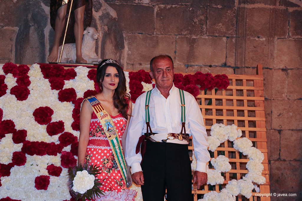 Ofrena de flors a Sant Joan-Fogueres 2019 (174)
