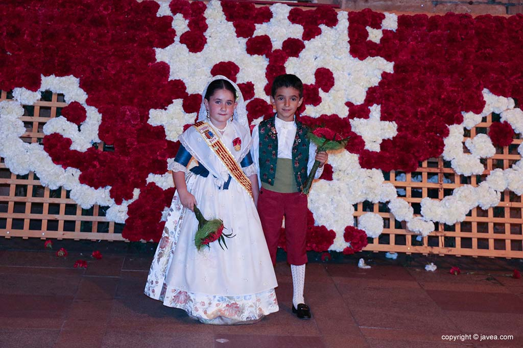 Ofrena de flors a Sant Joan-Fogueres 2019 (191)