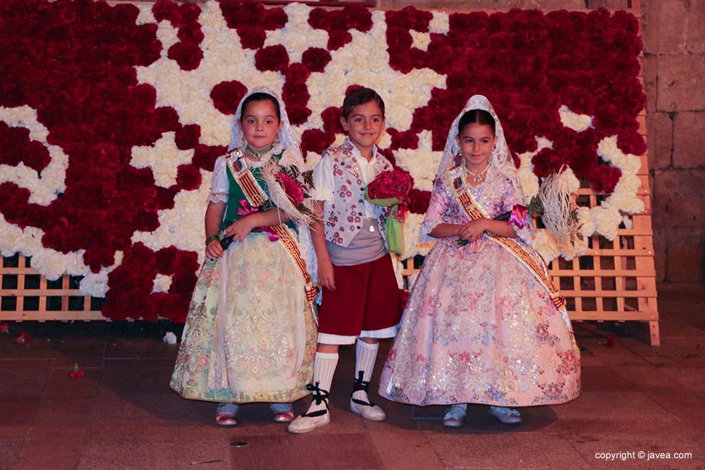 Ofrena de flors a Sant Joan-Fogueres 2019 (197)