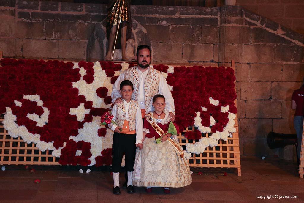 Ofrena de flors a Sant Joan-Fogueres 2019 (198)