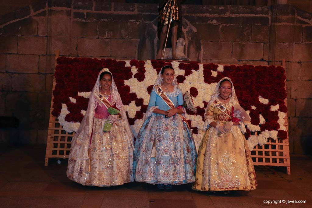 Ofrena de flors a Sant Joan-Fogueres 2019 (203)