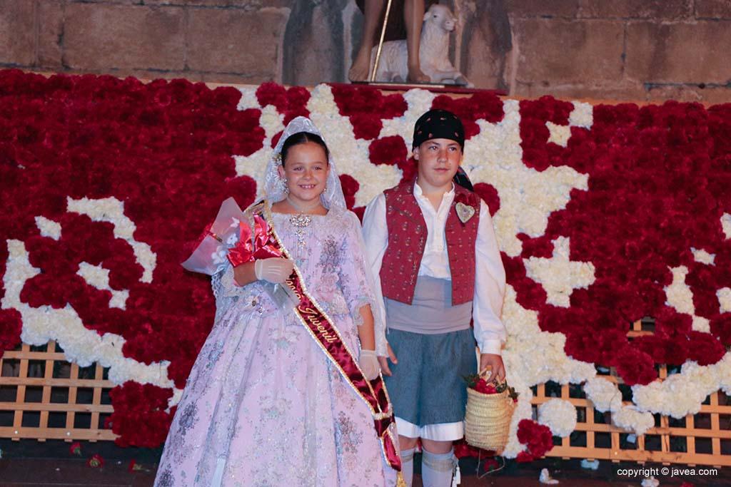 Ofrena de flors a Sant Joan-Fogueres 2019 (205)