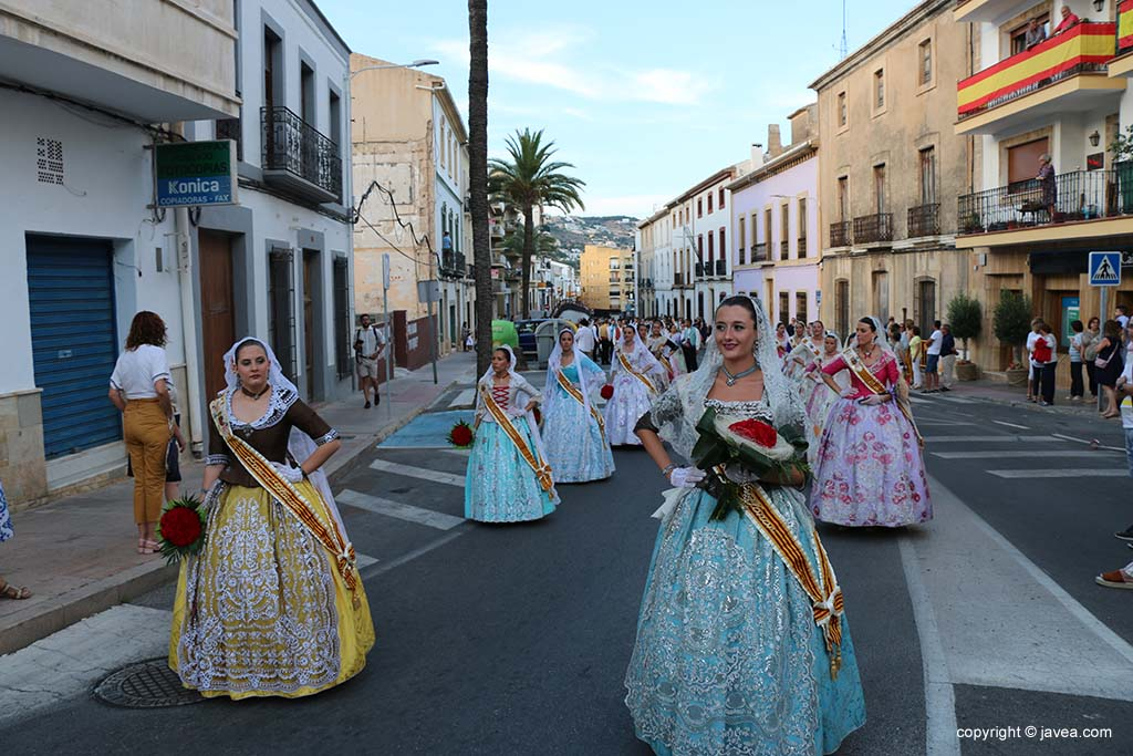 Ofrena de flors a Sant Joan-Fogueres 2019 (22)