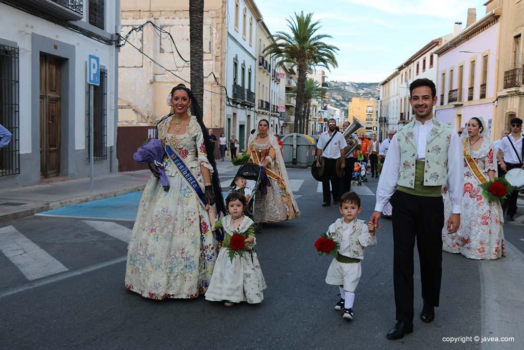 Ofrena de flors a Sant Joan-Fogueres 2019 (26)