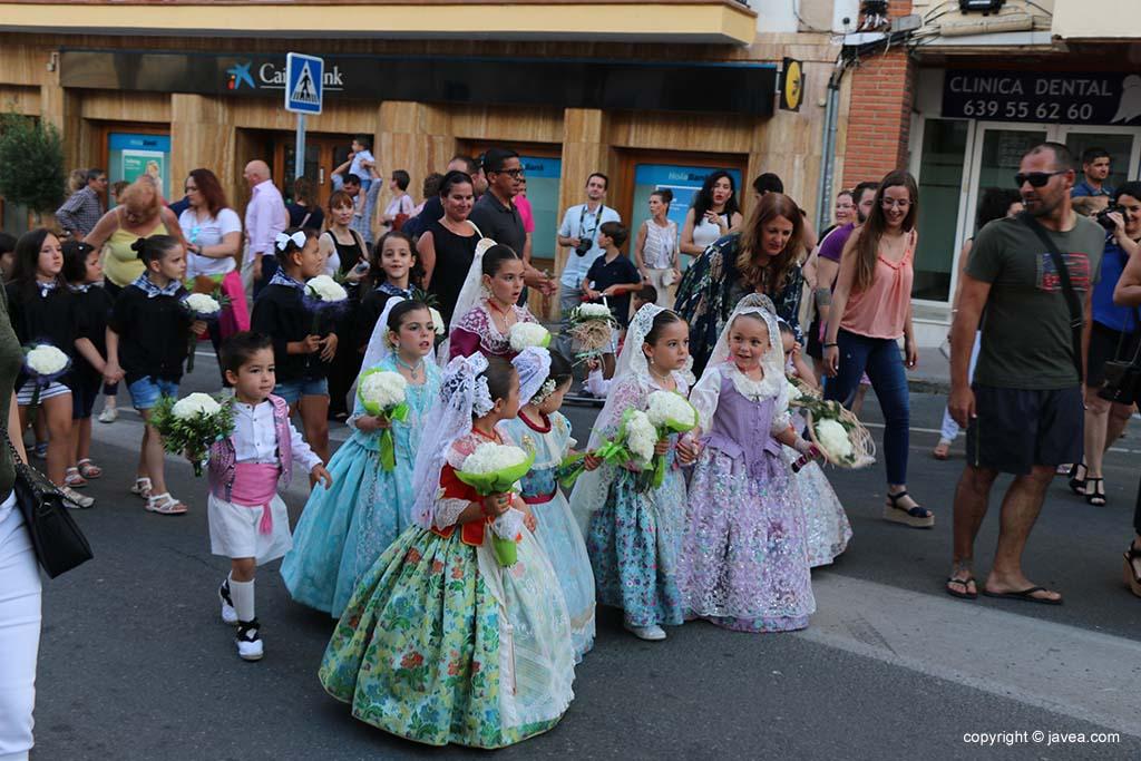 Ofrena de flors a Sant Joan-Fogueres 2019 (3)
