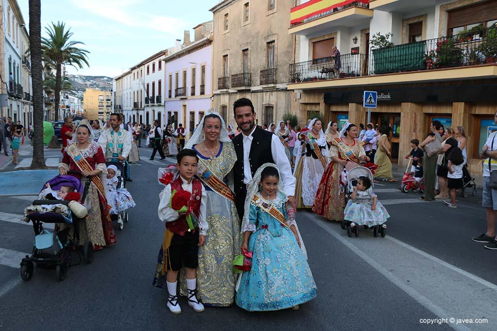 Ofrena de flors a Sant Joan-Fogueres 2019 (37)