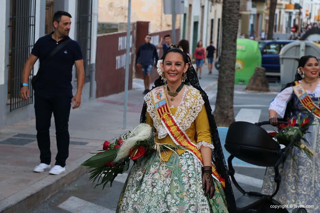 Ofrena de flors a Sant Joan-Fogueres 2019 (46)