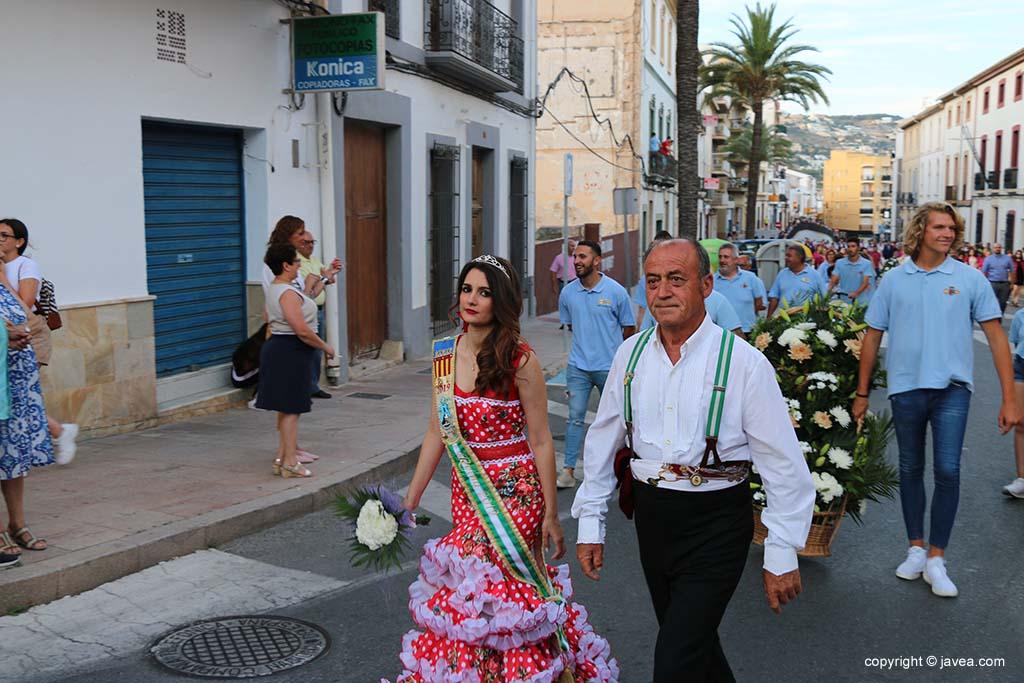 Ofrena de flors a Sant Joan-Fogueres 2019 (54)