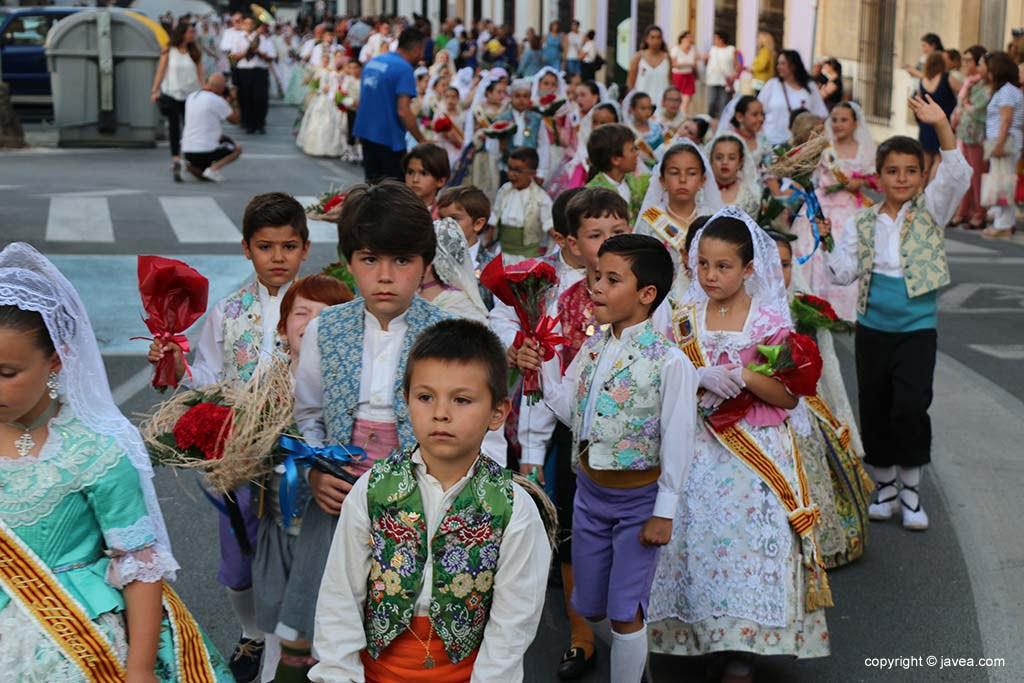 Ofrena de flors a Sant Joan-Fogueres 2019 (64)