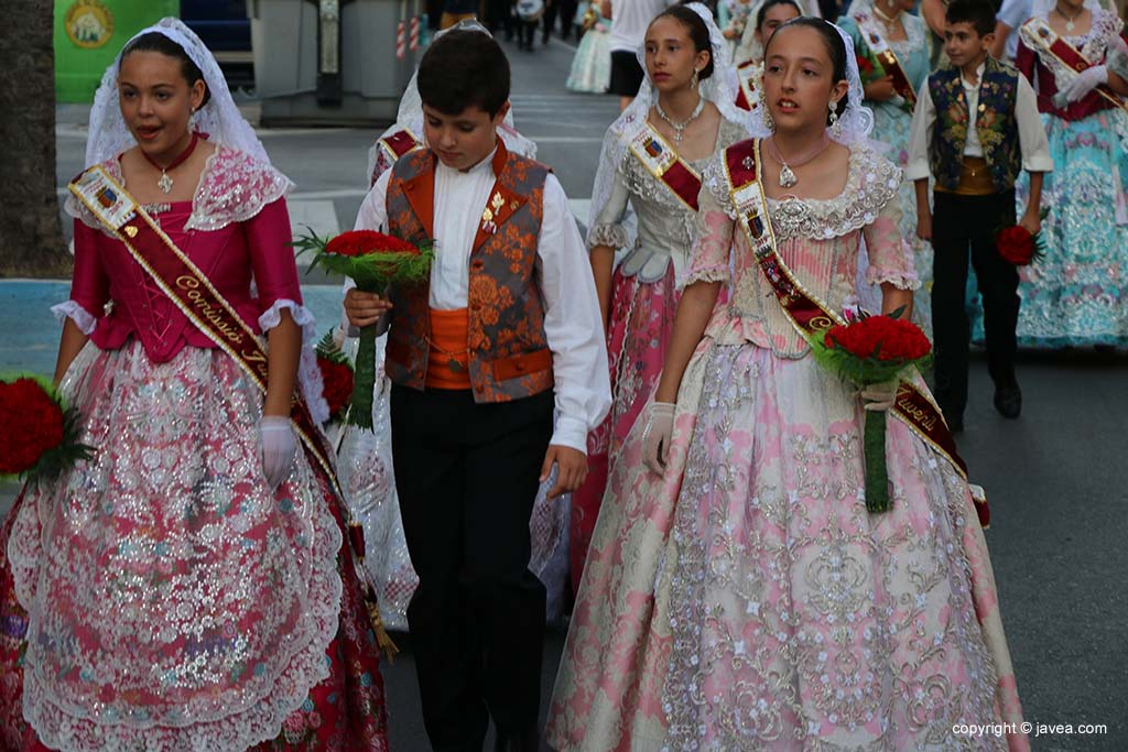 Ofrena de flors a Sant Joan-Fogueres 2019 (74)