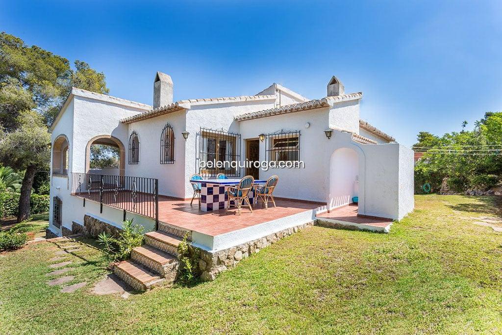 Xalet amb jardí i piscina a la venda a Xàbia - Immobiliària Betlem Quiroga