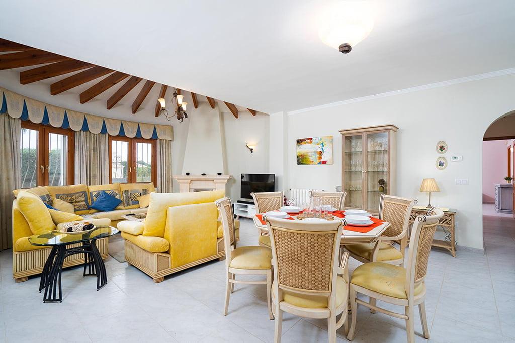 Casa confortável para férias em família - Aguila Rent a Villa
