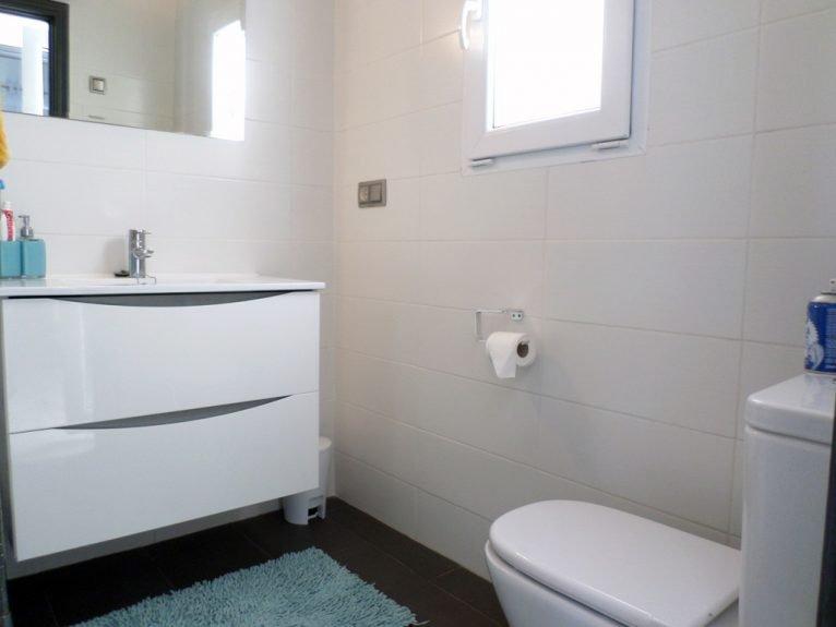 Baño vivienda Promociones Denia