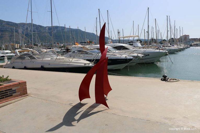 Exposición de esculturas en Marina de Dénia