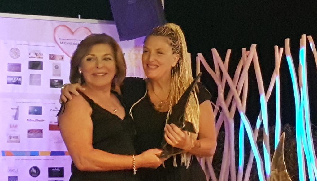 María Ferrer Miralles recibe un reconocimiento por su activismo y lucha contra el cáncer