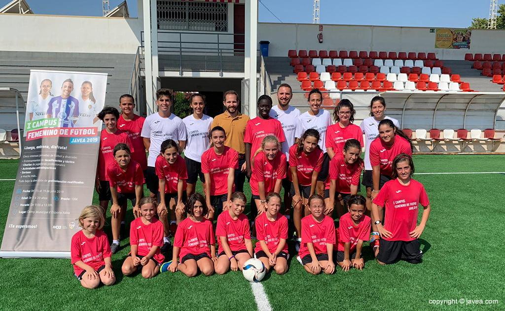 Участники I кампуса женского футбола
