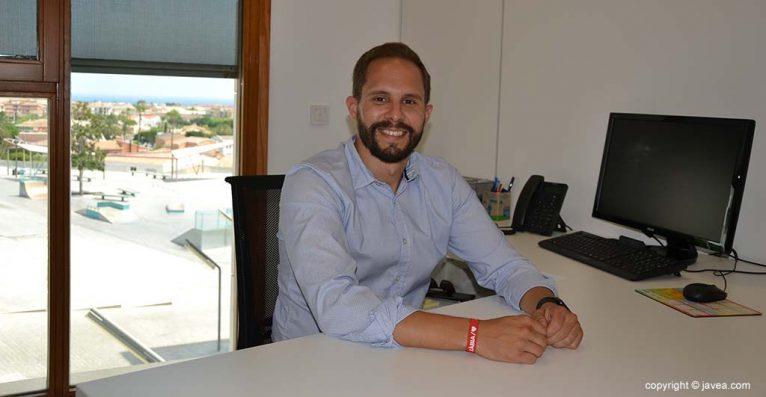 Alberto Tur, concejal de Deportes y barrio Thiviers
