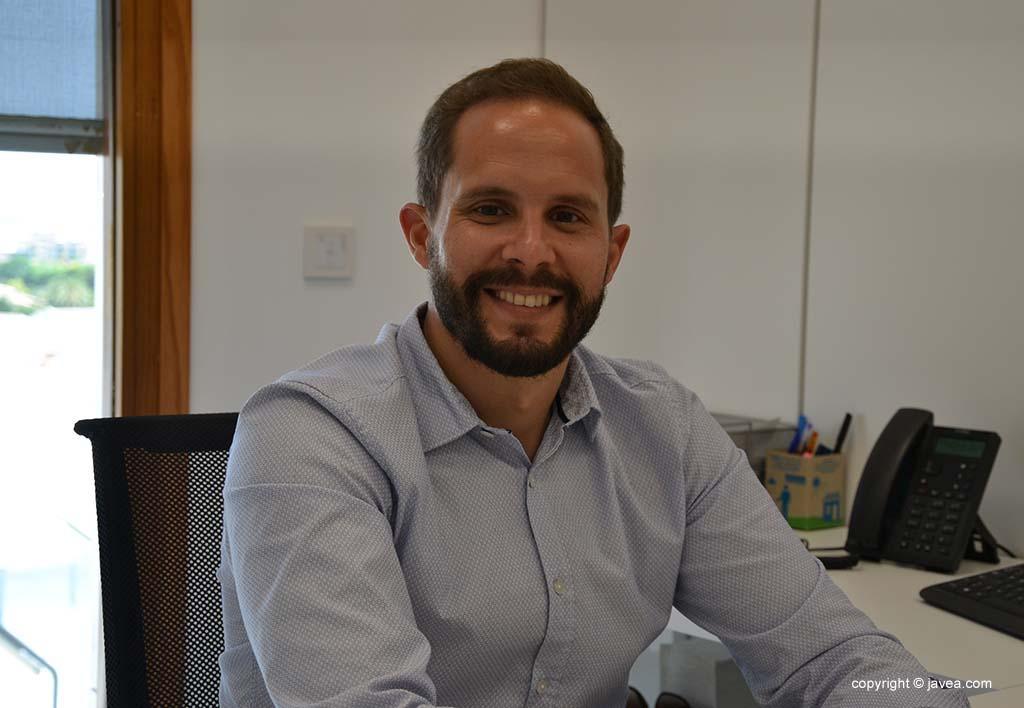 Alberto Tur