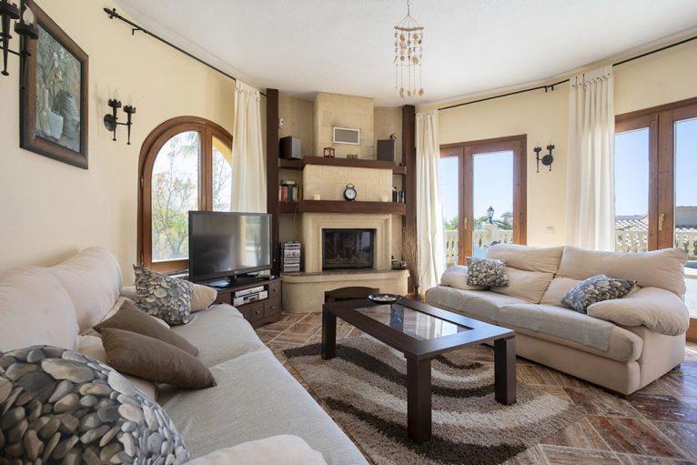 Salón de una casa de alquiler vacacional cerca de Jávea - Quality Rent a Villa