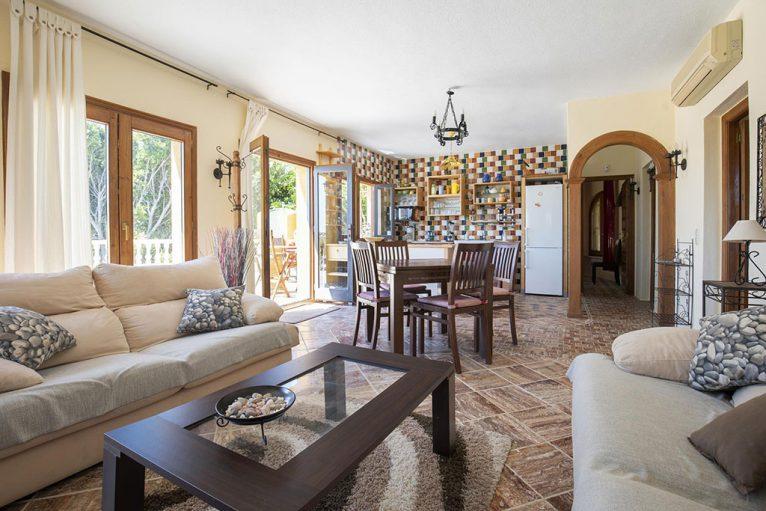 Salón de una villa para 6 personas cerca de Jávea - Quality Rent a Villa