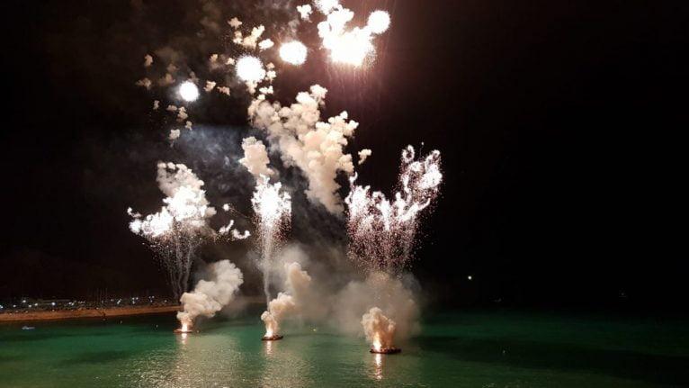 Castillo de fuegos artificiales acuático Xàbia