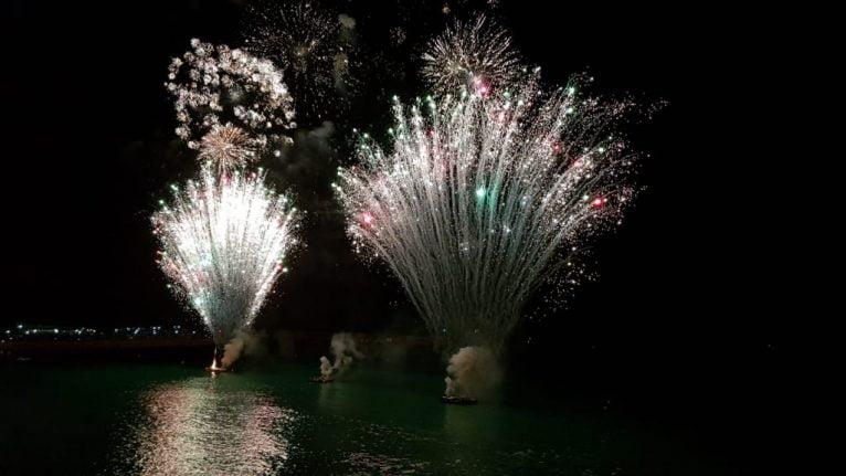 Castillo de fuegos artificiales acuático de Xàbia