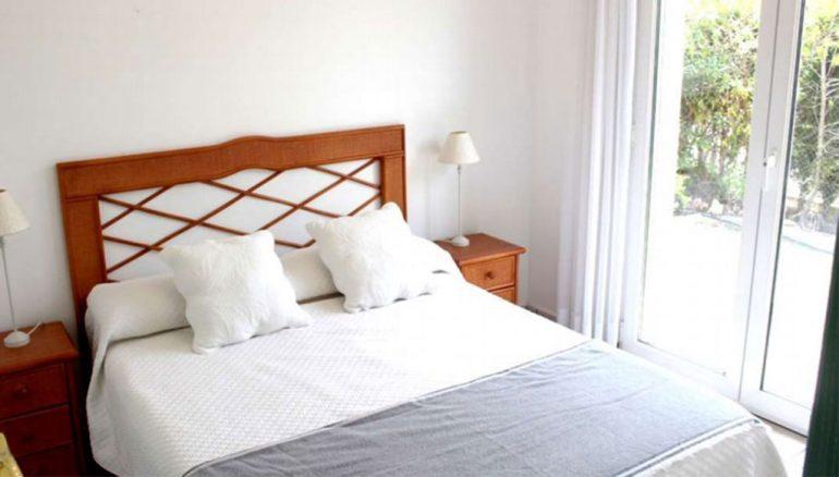 Chalet de cuatro habitaciones en venta en Dénia - Stirling Ackroyd Spain