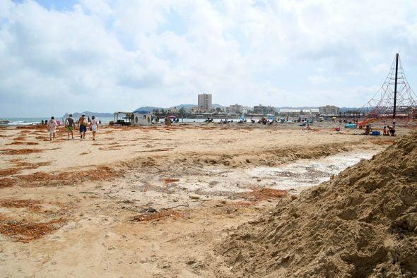 Image: Dommages causés à la plage de l'Arenal par la tempête