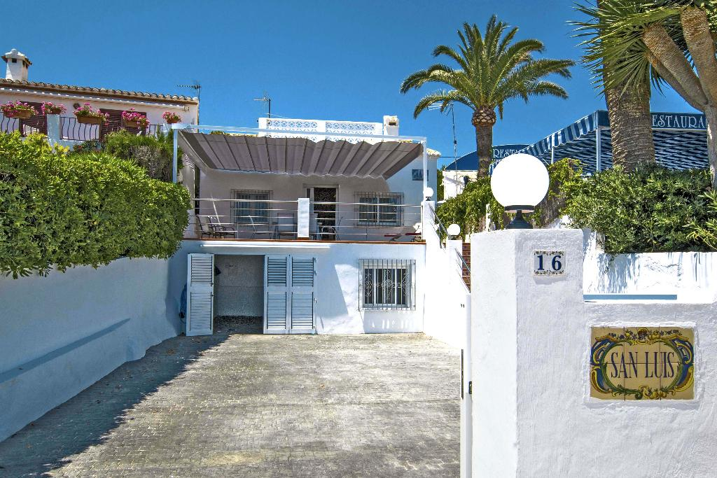 Entrada de casa de lloguer de vacances a Xàbia - Quality Rent a Vila
