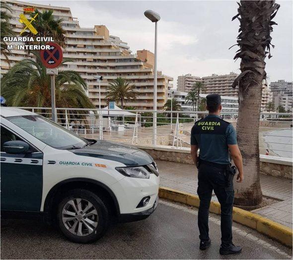 Imatge: Guàrdia Civil al Passeig Marítim de Calp