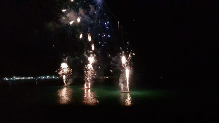 Momento do castelo de fogos de artifício de Xàbia