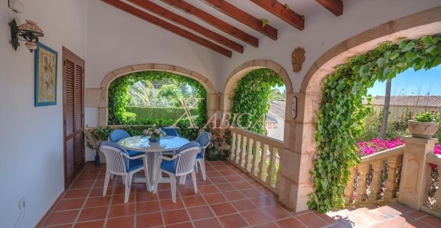 Naya with arches in a villa for sale in Jávea - Xabiga Inmobiliaria