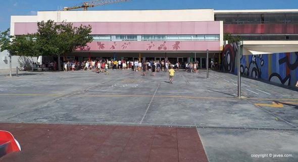 Imatge: Pati del col·legi l'Arenal de Xàbia