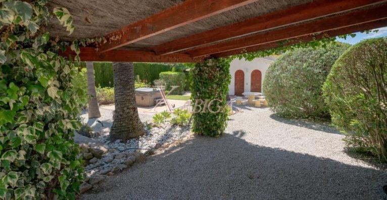 Porch in a villa for sale in Jávea - Xabiga Inmobiliaria