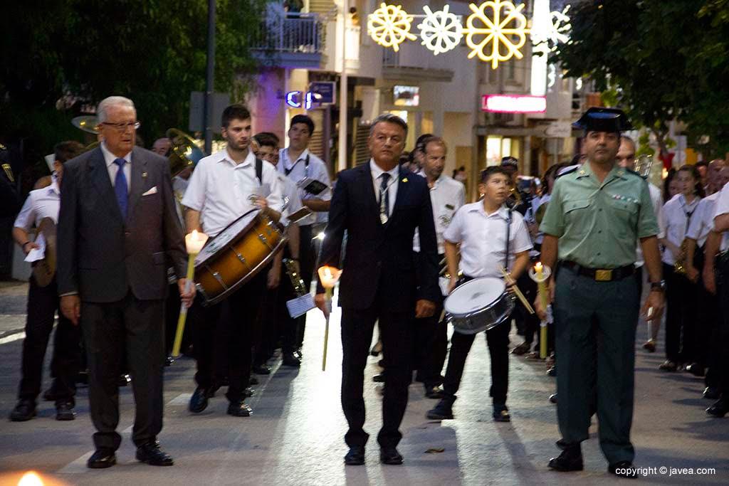 Il sindaco Xàbia con le autorità in processione