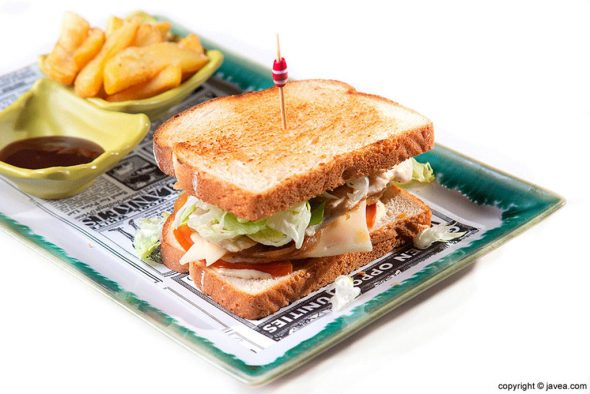 Image: Eating sandwiches rich in Jávea - El Raconet