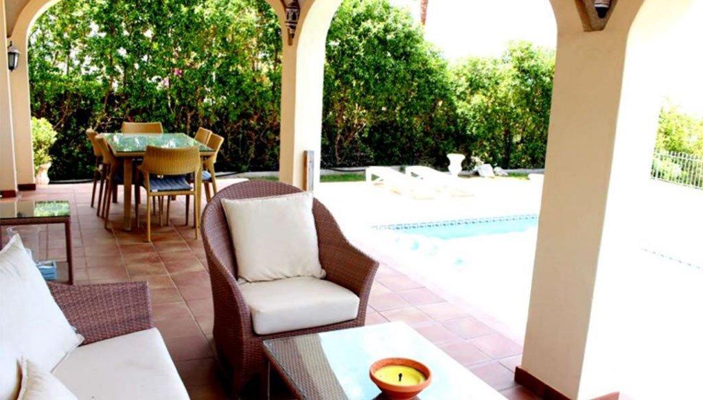 Terrassa coberta en un xalet a la venda a Dénia - Stirling Ackroyd Spain