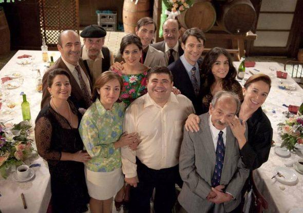 Imagen: Actores de L'Alqueria Blanca, serie de la televisión valenciana