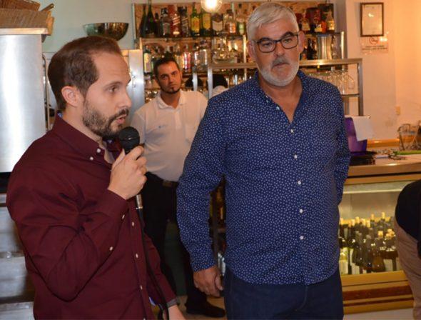 Imagen: Alberto Tur, edil de deportes con el presidente de la Penya La Marina