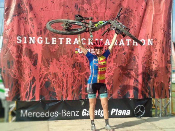 Afbeelding: Alicia Margalejo met haar fiets