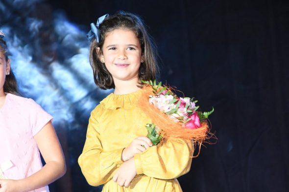 Image: Ariadna Serrat, reine des enfants des Fogueres 2020
