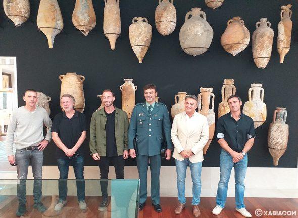 Imagen: Arqueólogos y los GEAS de Guardia Civil en el Museo