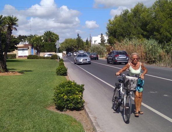 Изображение: дорога Portitxol без тротуаров