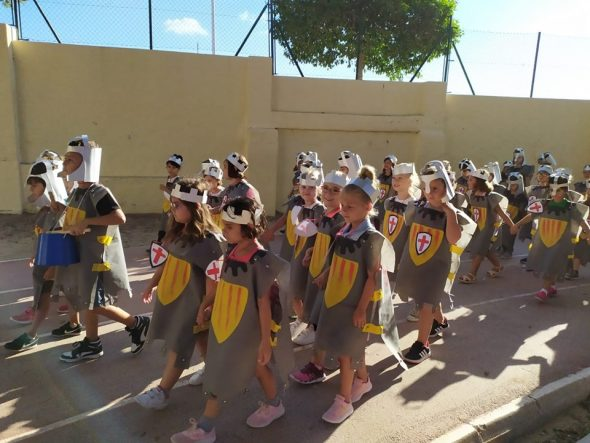Imagen: Celebración del 9 de octubre en el colegio Graüll