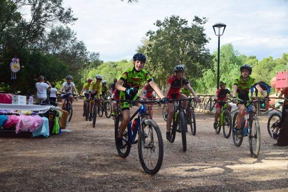 Imatge: Ciclistes en el Dia de la Bicicleta de Xàbia