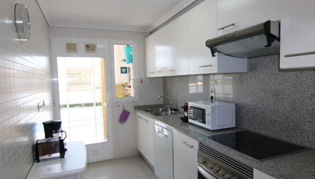 Cuina equipada en un apartament a la zona de la platja de l'Arenal - AR Luxury Living